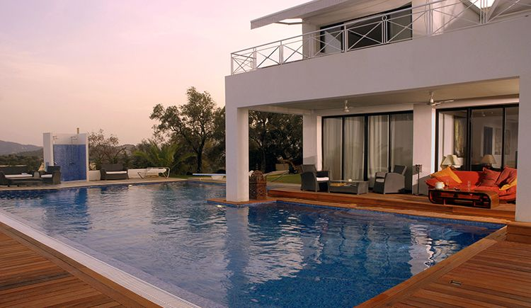 Villa with 6 bedrooms at Danilia