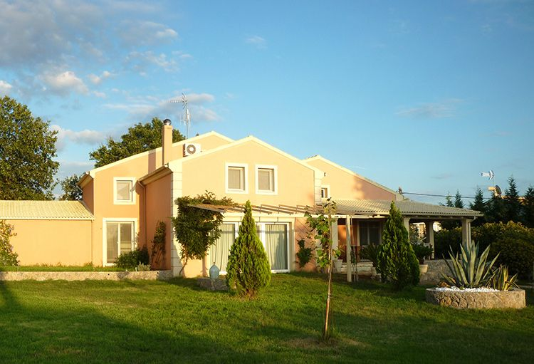 Two storey house near Agios Ioannis