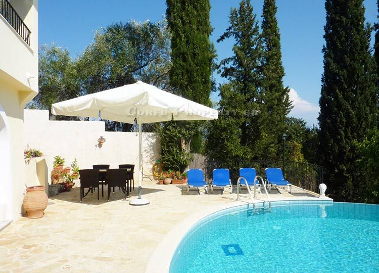 For Sale house with swimming pool in Agios Ioannis, Central Corfu