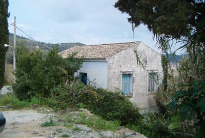For Sale. Detached village house with small garden near Sidari, in North Corfu