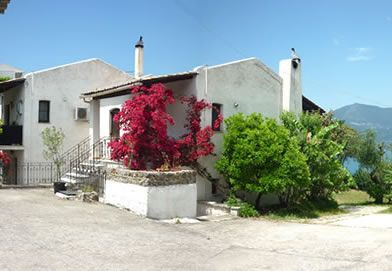 For Sale: Maisonette and apartments in Kommeno, Central Corfu